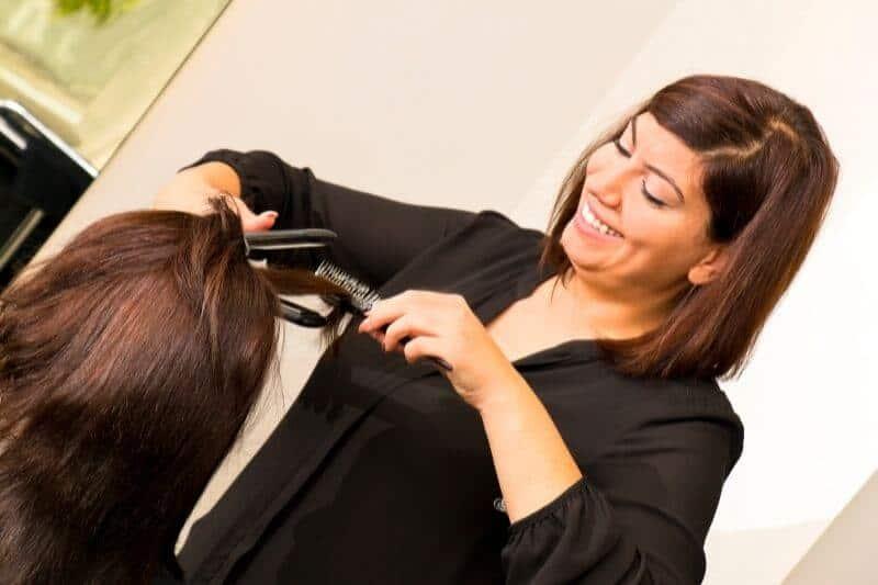 החלקות אורגניות קבועות לשיער בריא יותר